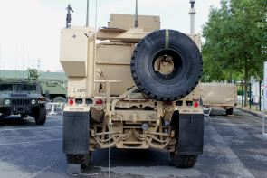 m atv oshkosh mrap all terrain wheeled armoured vehicle us army rh armyrecognition com Husky MRAP Husky MRAP