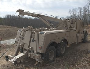 MaxxPro Wrecker MRAP Navistar armoured recovery vehicle data sheet description information specifications intelligence identification pictures photos images US Army United States American defense military mine protected