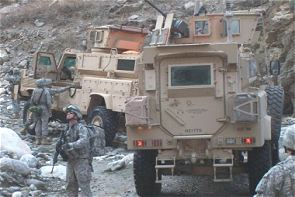 RG33 RG-33 4x4 mine protected wheeled armoured vehicle data sheet description information specifications intelligence identification pictures photos images US Army United States American defense military BAE Systems