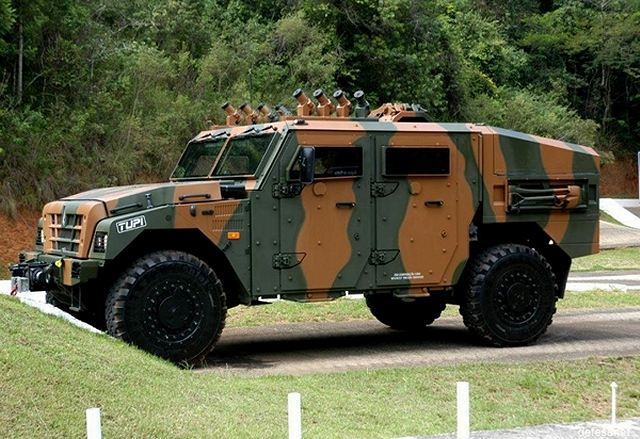 Tupi 4x4 light multirole vehicle Avibras Brazil Brazilian army military equipment defense industry 640 001