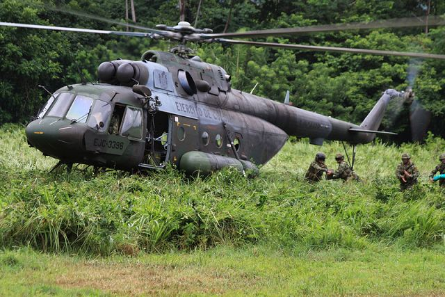 Colombian Special Forces use Russian Mi-17 helicopter to fight drug traffic 640 001