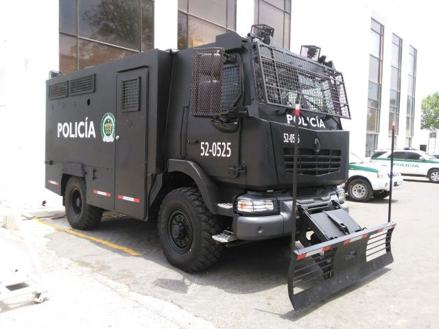 MIDS Renault Trucks Defense 2015 International Exhibition of Defense and Security in Colombia 640 001