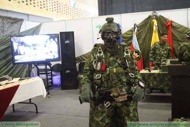 Special Forces soldier ExpoDefensa 2015 International Exhibition of Defense and Security in Colombia 640 001