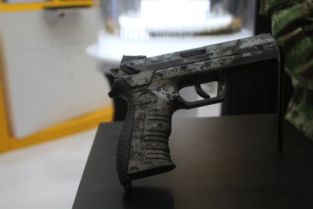 The new CORDOVA pistol from Indumil was showcased this week at Expodefensa 2015 640 001