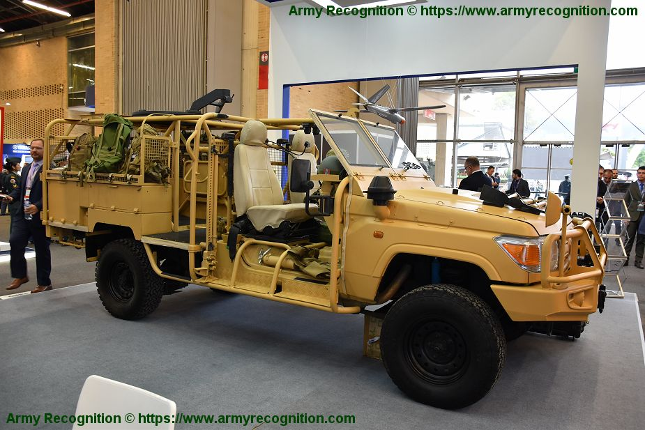 Jankel Fox and Hunter 4x4 tactical vehicles tailored for Latin America market ExpoDefensa 2019 925 002