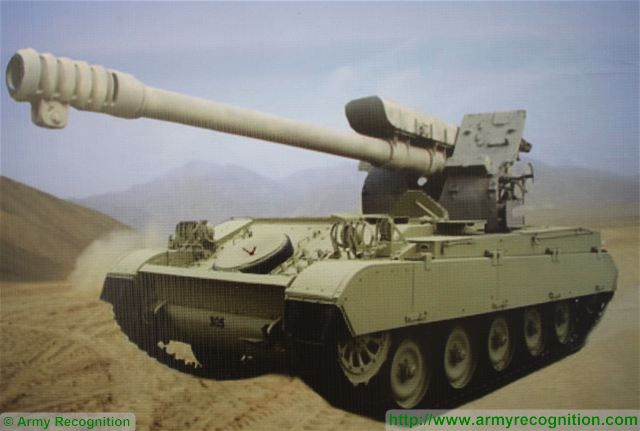 Low cost solution of 122mm self-propelled howitzer using AMX-13 light tank tracked chassis 640 001